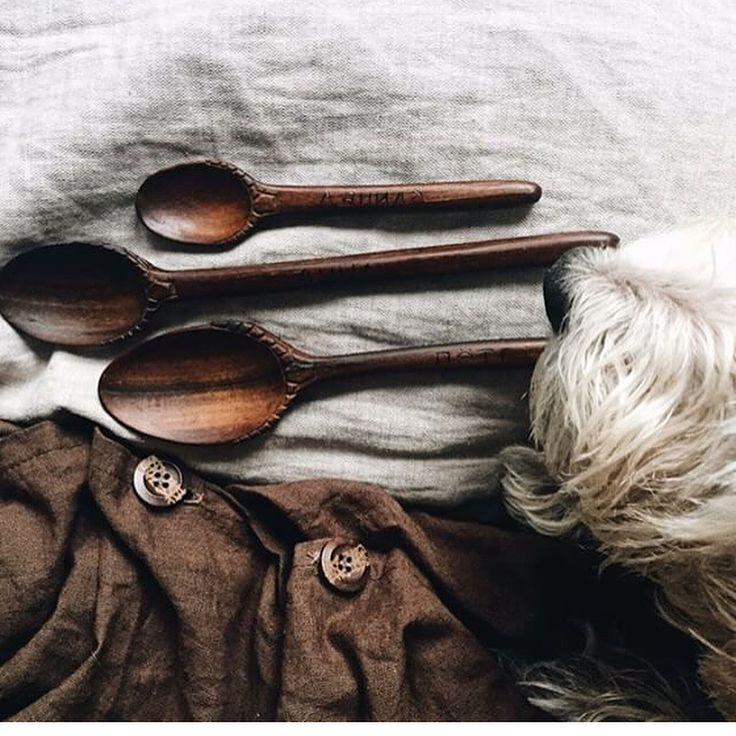 Чудесный, солнечный, милый и очень родной мир на страничке @anna_gerberka 🌳И нарядные деревянные ложки, конечно! #sfs #итогисфс