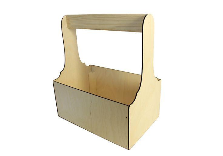 Крепкий деревянный ящик с ручкой сделан из фанеры толщиной 3 мм. Детали выполнены на лазерном станке. Ящик собран и сколочен вручную. Углы укреплены брусом. Длина ящика 27,5 см, ширина 18 см, высота 30 см. Такие деревянные ящики подойдут для цветов, инструментов, напитков, бытовой химии. #Канышевы #Подарочнаяупаковка #упаковкадляподарков #Эксклюзивнаяупаковка #упаковкадлякорпоратиногоподарка #корпоративныйподарок #упаковатдетскийподарок #подарокнановыйгод #красиваяупаковка #деревянныйящик…