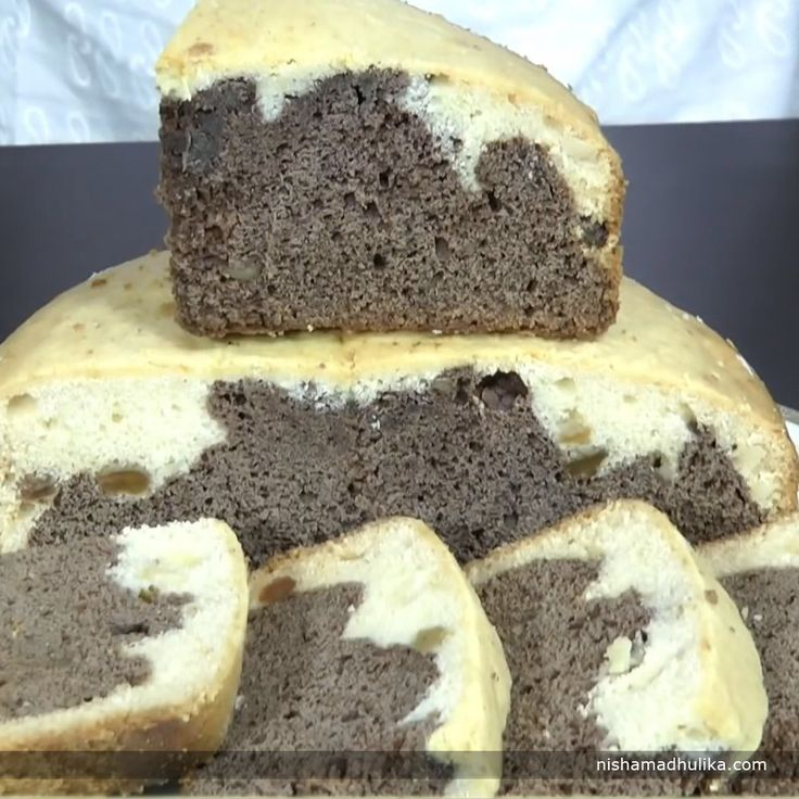 A piece of Eggless Chocolate and cream cake brings delight to all. The tender and moist piece of these sweet delights  can set your day right. Recipe in English - http://indiangoodfood.com/2037-eggless-chocolate-and-cream-cake.html (copy and paste link into browser)  Recipe in Hindi - http://nishamadhulika.com/baking/eggless-chocolate-and-cream-cake.html (copy and paste link into browser)