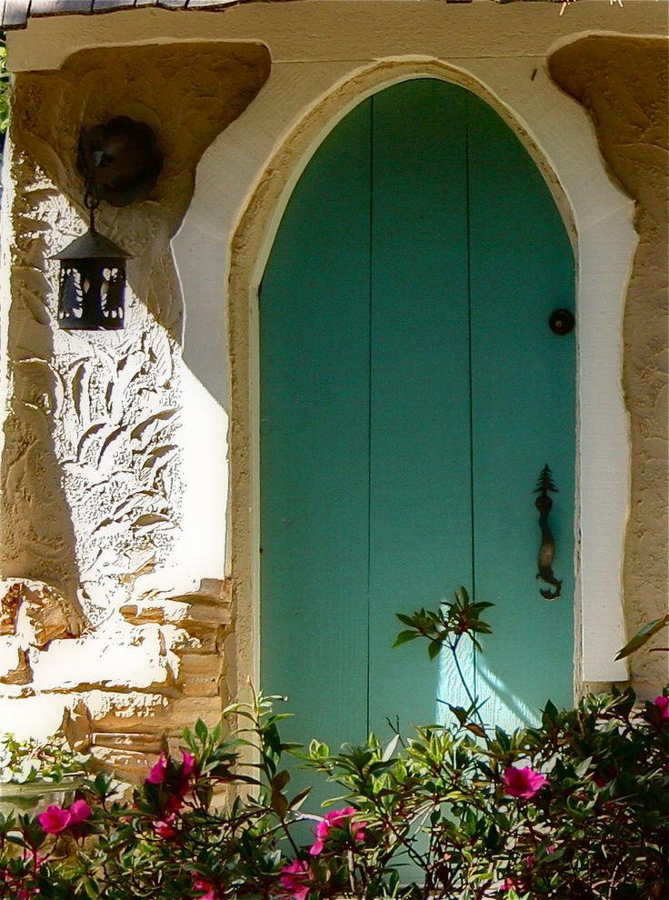Just something about a curved door