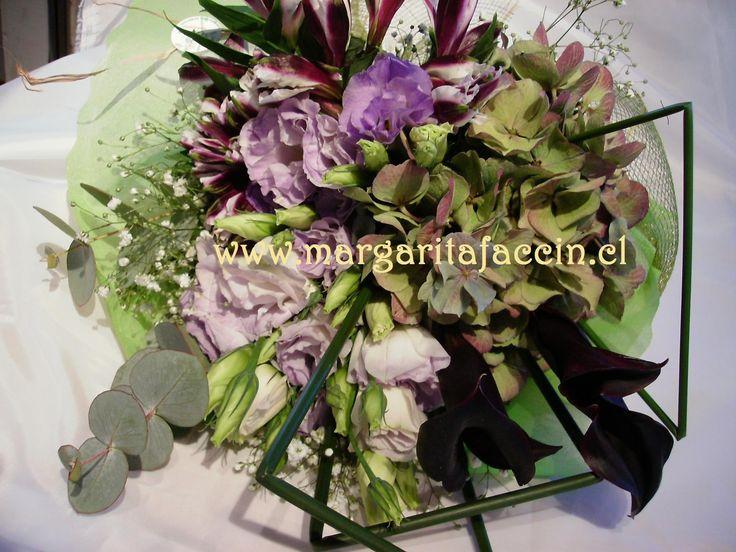 lisianthus, hortencias y altroemerias
