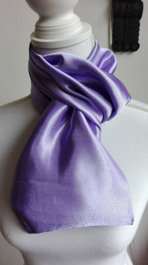 Hoi! Ik heb een geweldige listing op Etsy gevonden: https://www.etsy.com/nl/listing/475684214/lila-satijn-infinity-scarf-cirkel-sjaal