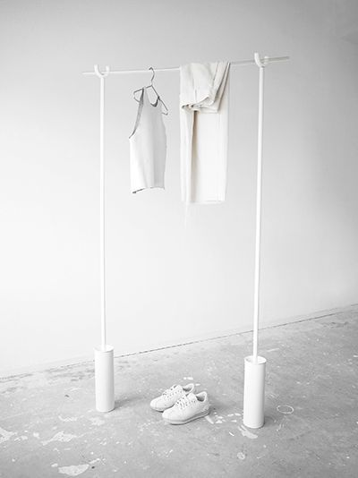 DIY / The Studio Clothing Rack
