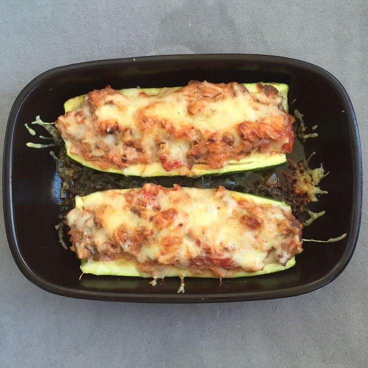 Courgettes farcies à ma sauce (ricotta / tomates / viande hachée)