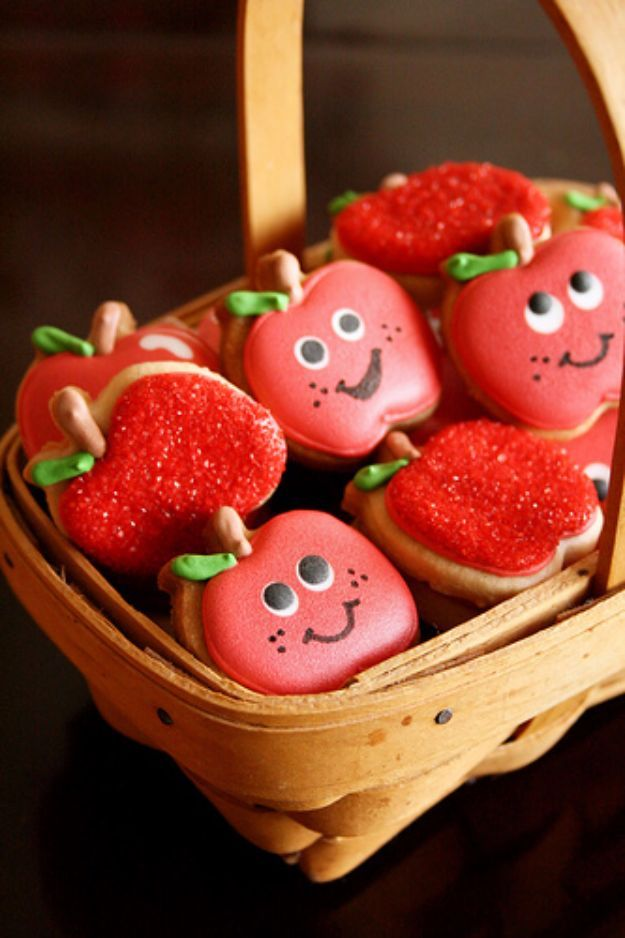 Cool Cookie Decorating Ideas - Apple Cookies - Easy Ways To Decorate Cute, Adorable Cookies - Quick Recipes and Simple Decorating Tips With Icing, Candy, Chocolate, Buttercream Frosting and Fruit - Best Party Trays and Cookie Arrangements http://diyjoy.com/cookie-decorating-ideas