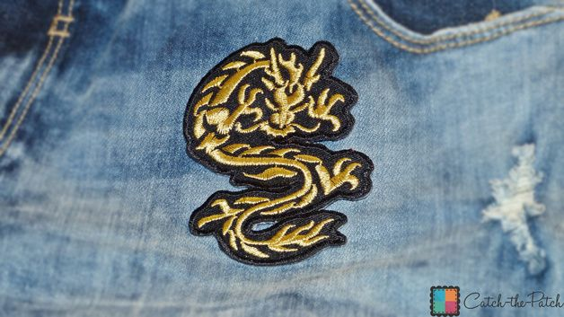Aufnäher / Bügelbild - chinesischer Drache - gold - 6 x 9 cm - Patches Aufbügeln  Aufnäher / Bügelbild - chinesischer Drache - gold - 6 x 9 cm - Patch Aufbügler Applikationen zum aufbügeln...
