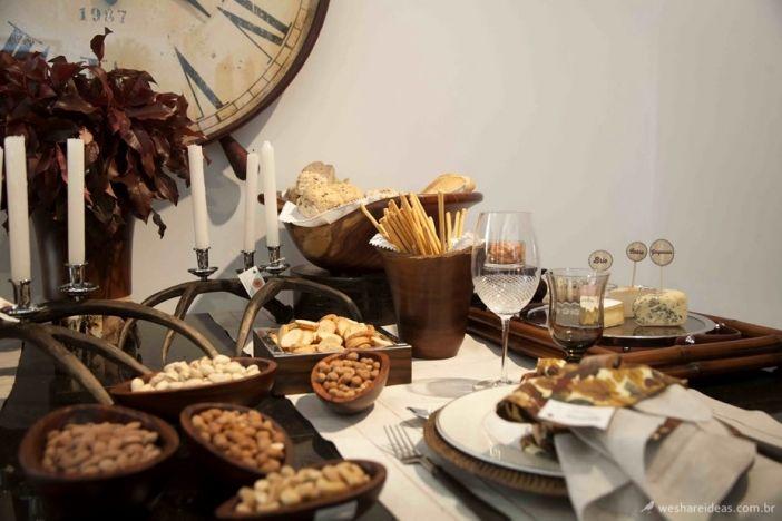mesa queijos e vinhos/ mesa de aperitivos/ decoração outono inverno/ menu inverno/ tablescape decor