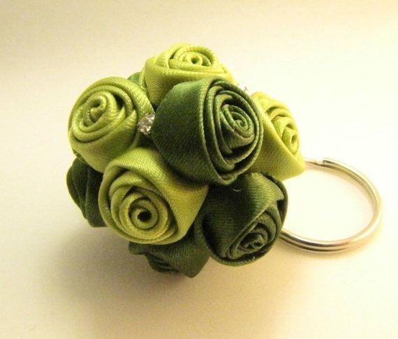 Green ball roses keychain