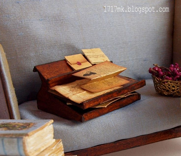 Kanapa, fotelik Lundby, globus, ksi��ki, obrazy i winogrona, ... zapomnia�am o szafce