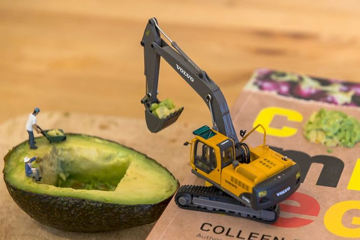 BBC - Get Creative - Construction worker recreates day job in miniature