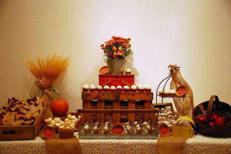 5c5047c5e565cb28720775383234113b  rustic dessert tables rustic table
