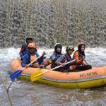 Rafting merupakan olaharaga air dengan memerlukan kerja sama tim agar  perahu tidak terbalik dan sebagainya. Rafting atau biasa disebut dengan Arung Jeram ini dilakukan di sungai .pengarungan Rafting di malang yaitu 12km di sungai brantas
