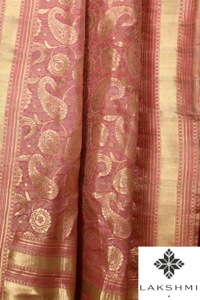 Soft-Pink-Benares-Sari-with-a-woven-Paisley-design.