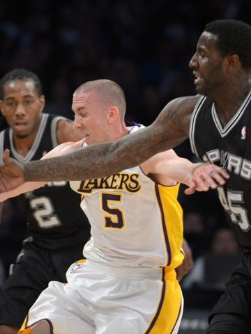 Lakers beat Spurs in first game after Kobe Bryants injury