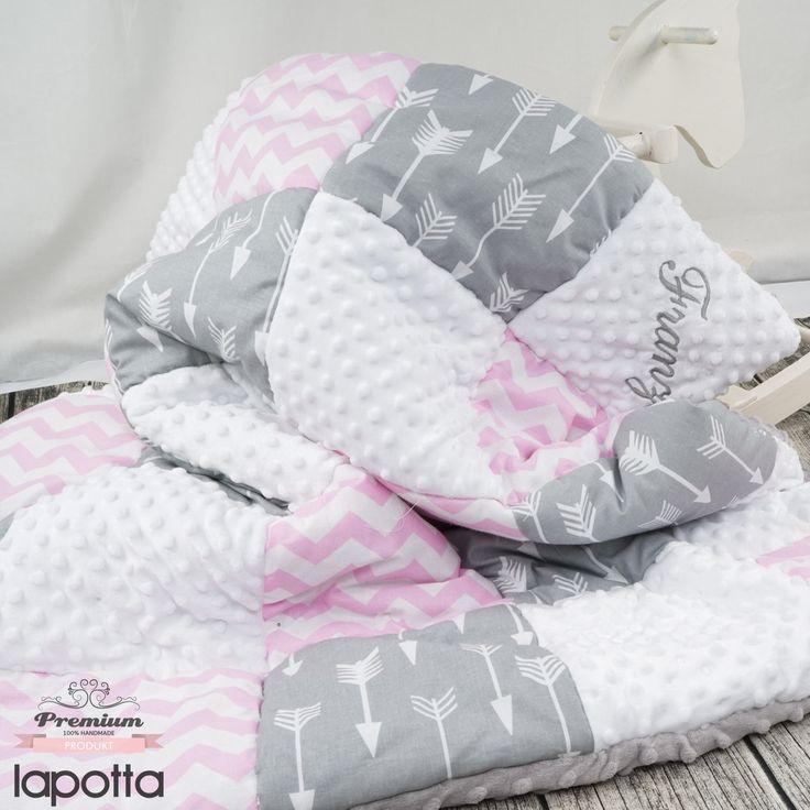 Total süße Zusammenstellung der Stoffe für kleine Franzi❤️❤️❤️Vielen lieben Dank dafür . Zu den Decken gelangt Ihr wie immer über den Link in meiner Bio oder eben ➡️➡️➡️https://www.lapotta.com/decken-patchworkdecken⬅️⬅️⬅️ . #lapotta #handmade #kindermode#babymode #strampler #romper #babyhose #stirnband #leggings#babyleggings #geburtskissen #mädchen#namenskissen #krabbeldecke #babydecke #decke #patchwork #patchworkdecke #hamburg #norderstedt #baby2016 #baby2017#mitwachshose #beaniemütze…
