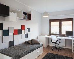 Pokój nastolatki - Mały pokój dziecka dla chłopca dla dziewczynki dla ucznia dla nastolatka, styl minimalistyczny - zdjęcie od emilia cieśla | design & interior design