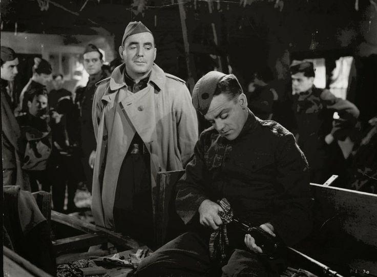 13 El precio de la gloria de John Ford (1952) 6,3 punts a IMDb. A What price glory  el capità Flag té un desastre de companyia i enemic personal com a sargent primer Quirt., tots dos homes competeixen per l'amor de la filla del taverner local. Però quan la companyia es mobilitzada al front la crua realitat posa a tothom al seu lloc.