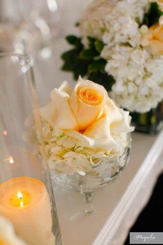 Magnifique arrangements de fleurs pour la table d'honneur