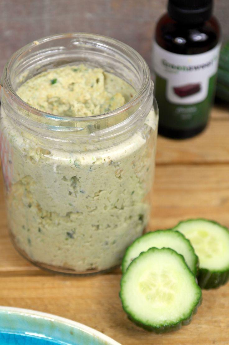 Ik ben niet dol op komkommer, maar op zijn tijd vind ik het erg lekker. Met komkommer kun je veel meer dan je denkt. Alhoewel het voor het grootste gedeelt