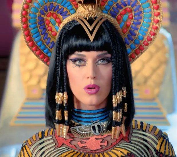 10 best Modern take on Egyptian Women images on Pinterest ... Katy Perry Dark Horse Egyptian Costume