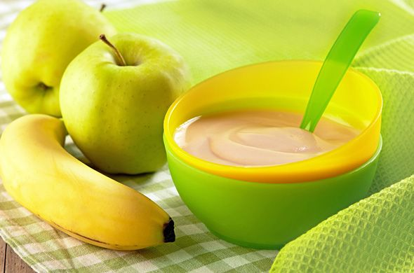 Compote de pomme, banane et coing pour bébé. Plus de recettes pour bébé sur www.enviedebienmanger.fr/idees-recettes/recettes-pour-bebe