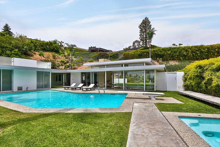 Howard Hughes' Beverly Hills Party Pad