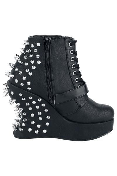 """Scarpe donna """"Bravo"""" firmate #Demonia nere con zeppa di 13 cm e borchie applicate sul retro. Calzature nere opache dotate di cerniera laterale."""