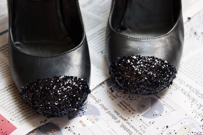 how to fix scuffed suede shoes