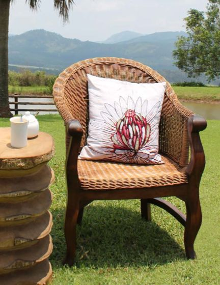 The White Protea Cushion Cover forms part of the Etched collection from Boabab Batik. This collection celebrates the unique flora of Southern Africa by using the King Protea, a flower only found in the Cape Region, as its centerpiece. 45cm x 45cm Shop @ www.wave2africa.com
