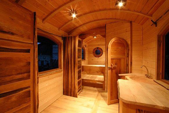 a d couvrir la construction d 39 une roulotte haut de gamme de m en belgique caravan. Black Bedroom Furniture Sets. Home Design Ideas