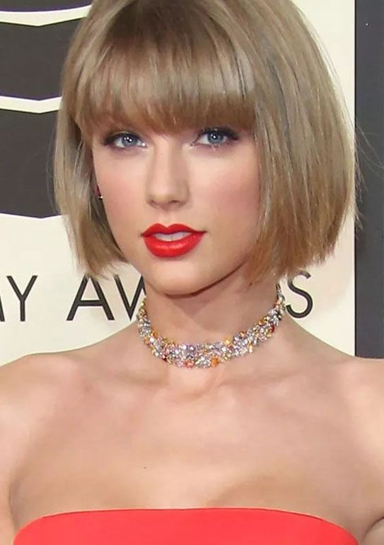 Gorgeous Taylor Swift S Trendy Short Bob Haircuts With Bangs For Grammy Awards 2017 2018