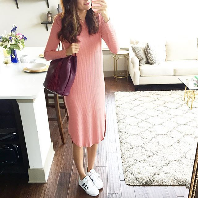 It's #sundayfunday and you guys have GOT to grabbed this pink ribbed dress (size up, I'm wearing a 4)!! It's so lightweight and comfy AND ONLY $36 + free shipping!!! So thankful that this Dallas weather has let me bring it out of my closet to run a couple