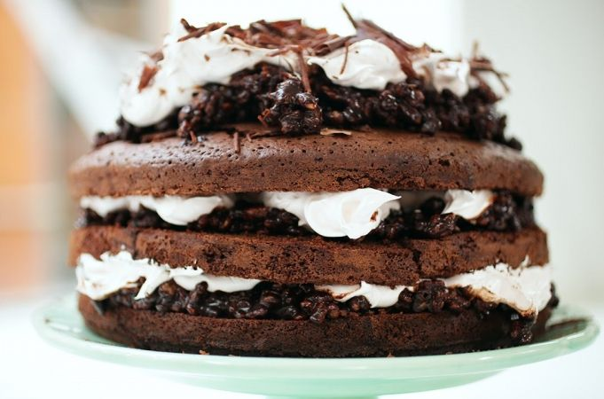 How To Cut A Cake Into Three   Jamie's Comfort Food   Kerryann Dunlop
