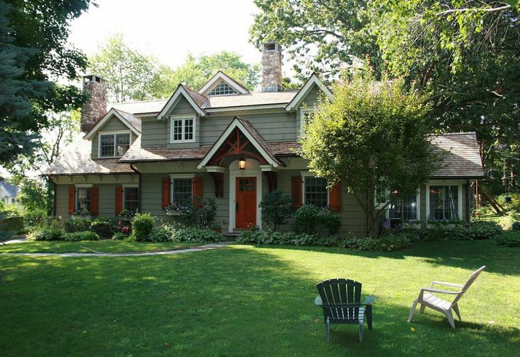 Star ~✭~   Curb Appeal - Cape Cod Renovated into Craftsman Style Home