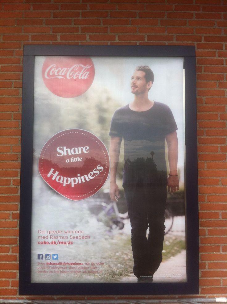 Rasmus Seebach og Coca Cola reklame ved Netto i Smørum.