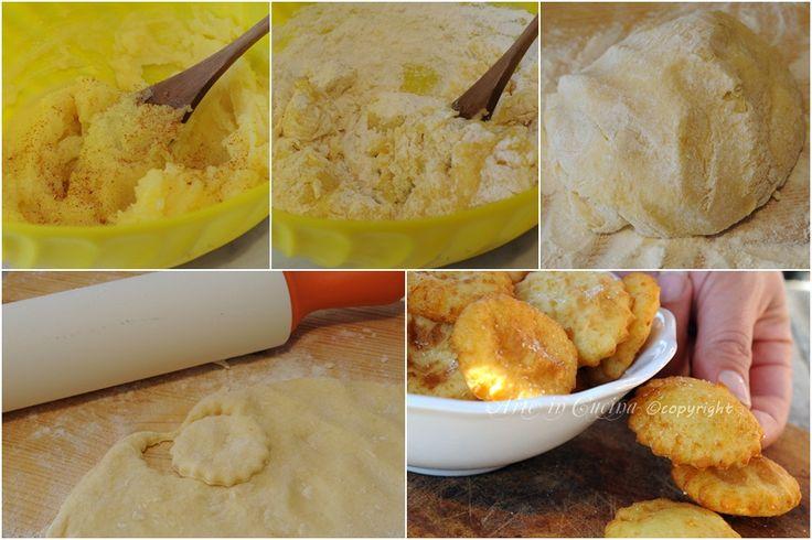 Frittelline di patate salate ricetta sfiziosissima, facili da preparare, finger food, snack per feste e buffet di compleanno, contorno sfizioso, ricetta con patate