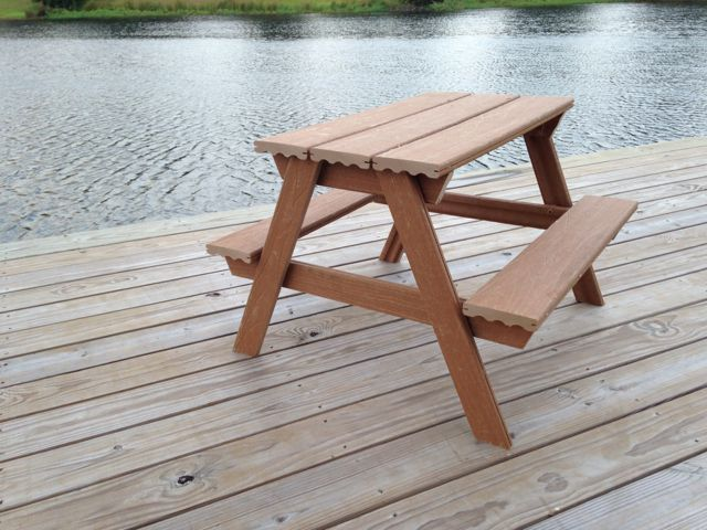 Composite Toddler Picnic Table -- plans included -- cost $45
