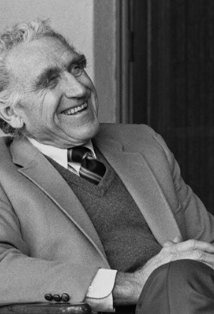 Veteran character actor James Whitmore was well regarded in his early years for his award-winning dramatic capabilities on Broadway and in films. Later he conquered TV with the same trophy-winning results. Sometimes people confuse Whitmore and Spencer Tracy. The two sometimes look as if they could have been brothers.