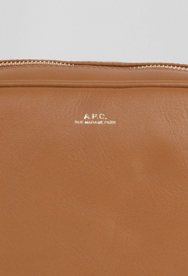 A.P.C. Blanche Bag Caramel – Voo Store