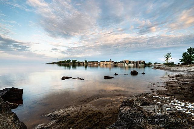 I know I'm not @adamcimages or @bridgesphoto.... But who is? #landscape #landscapephotography #kingston #ontario #canada #ygk #ygkphotographer #ygkbusiness #sunrise #clouds #wingstudios #sigmaart #wideangle