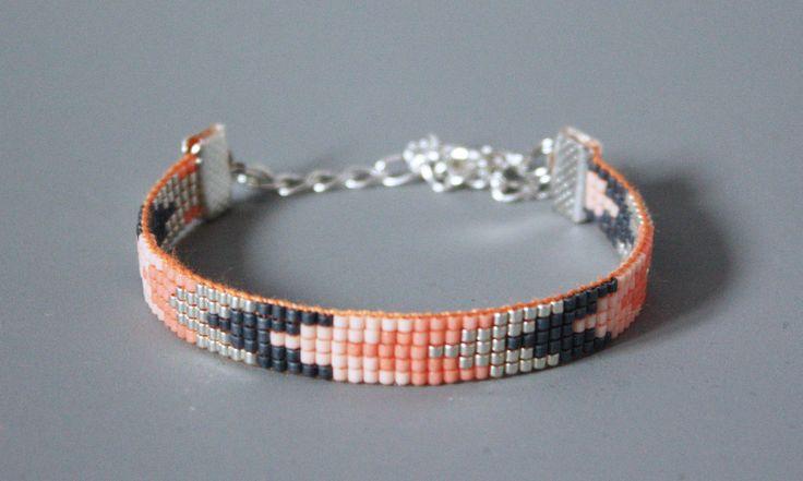 MANCHETTE / BRACELET TISSÉ PERLES MIYUKI / GRIS, ARGENT, CORAIL , NUDE : Bracelet par tadaam-bracelet