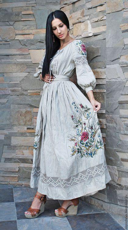 Купить или заказать Эксклюзивное льняное платье с вышивкой и росписью 'Дымчатая роза-2' в интернет-магазине на Ярмарке Мастеров. Эксклюзивное платье в этно-стиле из натурального льна. Длинное платье с поясом, изготовлено в уникальной технике - соединение вышивки и росписи по ткани! В технологии вышивки использовалась <em>выбитая вышивка на платье</em> ручная машинка, вышивка выполнялась на пяльцах. Рисунок выполнен мной в единичном экземпляре, аналогов которому нет. Натуральный лен - Италия с эффектом состаренности и п...