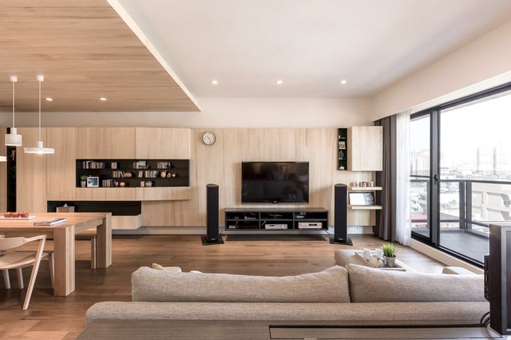 Wood is one of the most basic materials and can be used in an endless number of ways. But apart from wood floors, many modern designs tend to shy away from the