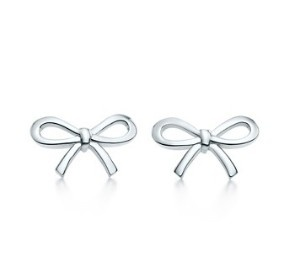 Tiffany & Co sterling silver bow earings - Rick, i want this as a push present :-)