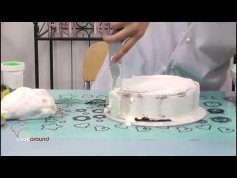 Rivestire una torta con pasta da zucchero: tutorial! - YouTube