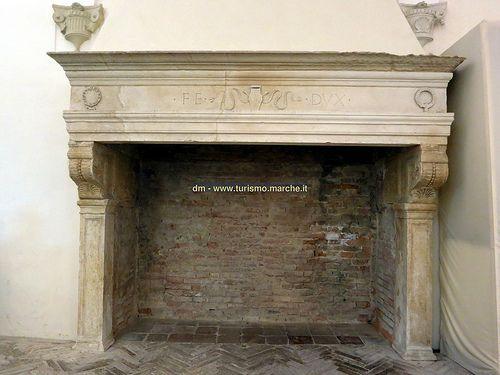 Ducal Palace of Urbino: fireplace