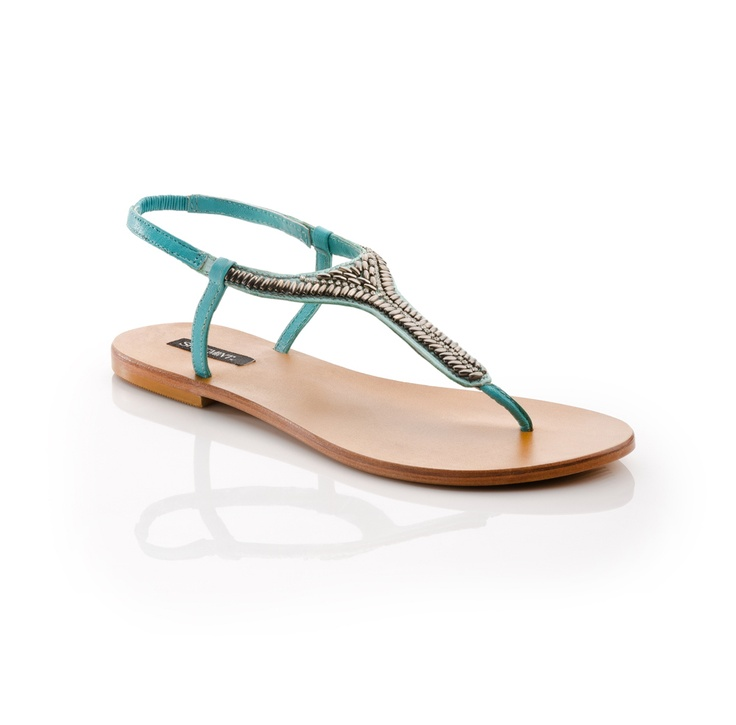 Very cute sandals. These would look good with a dress, skirt, capris, or shirts! Extremely versatile!