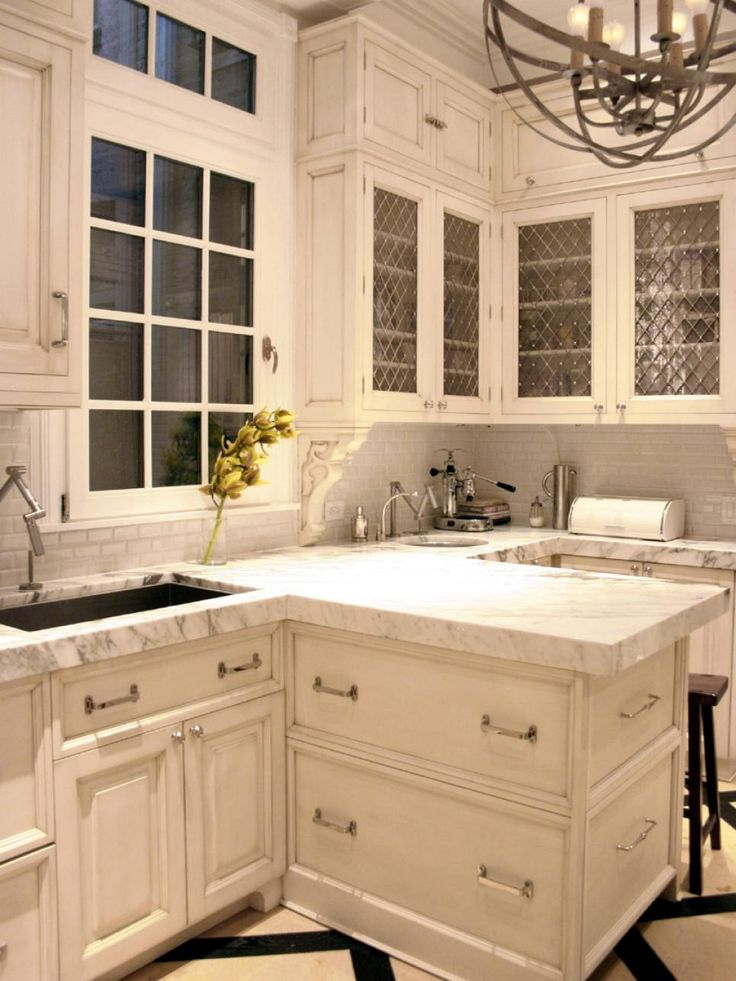 For The Baker Extraordinaire, This Luxurious, Victorian Style Kitchen Is  For You.