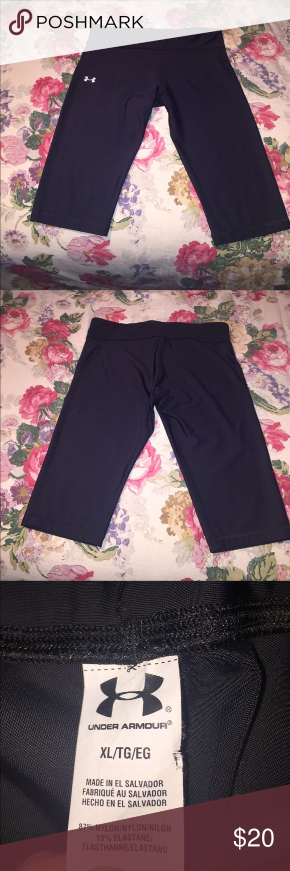 Under Armout Black Capri Legging Back inner pocket (pictured). Like new, barely worn. Under Armour Pants Leggings