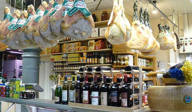 Philadelphia Tour: Iconic 9th Street Italian Market Experience    With Philadelphia's rich history and litany of firsts, it comes as no surprise that the 9th ... Get more information about the Philadelphia Tour: Iconic 9th Street Italian Market Experience on Hostelman.com #event #United #States #culture #travel #destinations #tips #packing #ideas #budget #trips